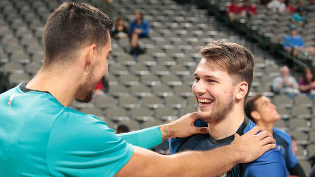 Willy Hernangómez y Luka Doncic en la NBA